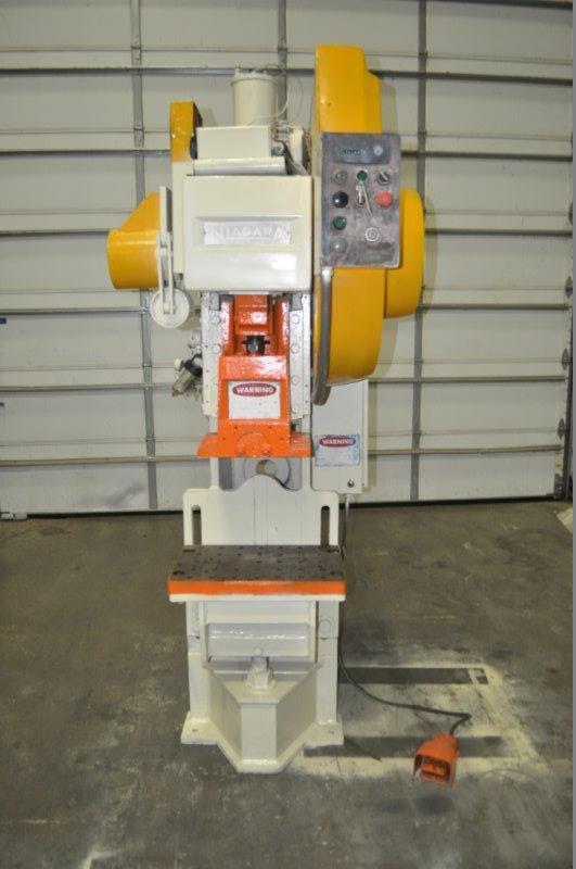 Niagara AMB-35 Adjustable Bed Horn Press